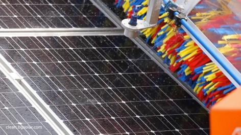chistene-solarni-paneli-petna-ot-kalka